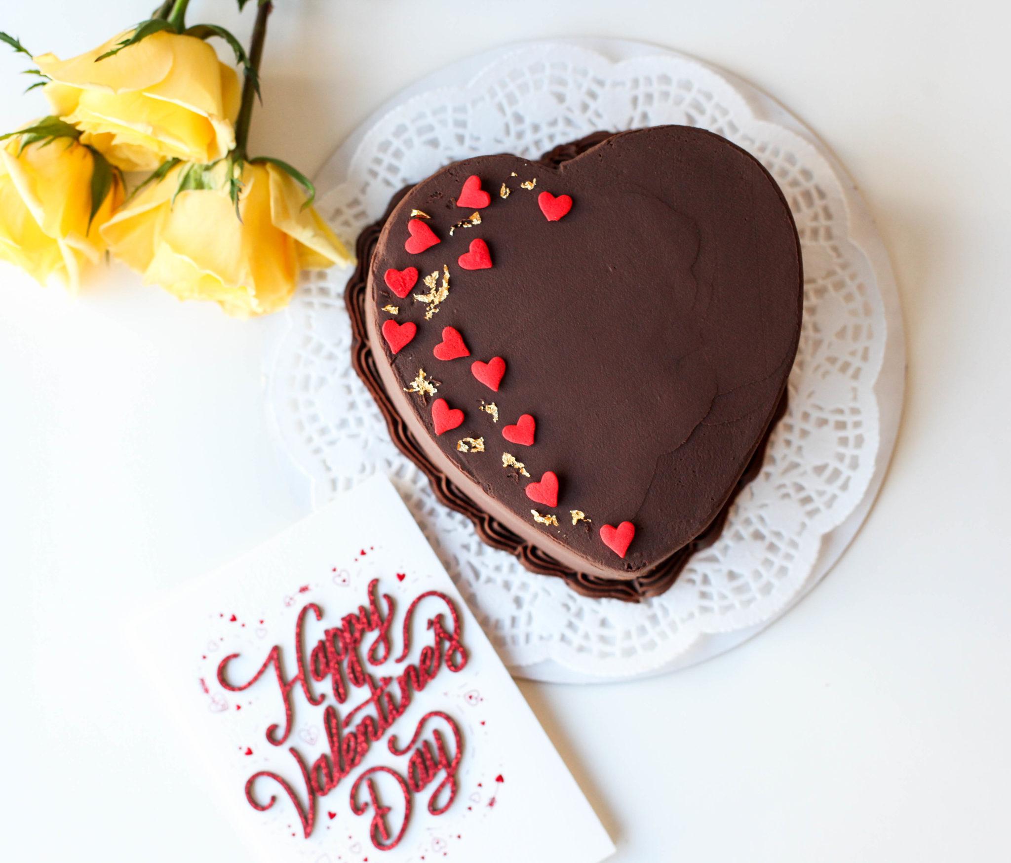 4″ Chocolate Mousse Sweetheart Cake